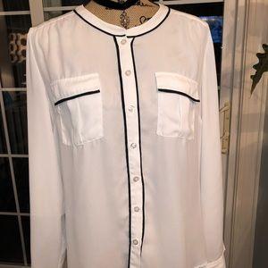 New York & Co Women's white blouse